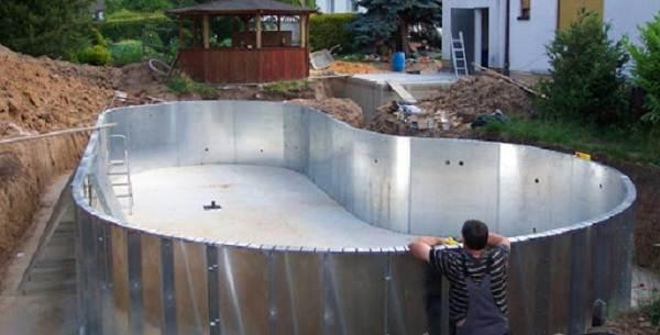 Строительство-открытых-бассейнов-их-виды-плюсы-и-минусы-5